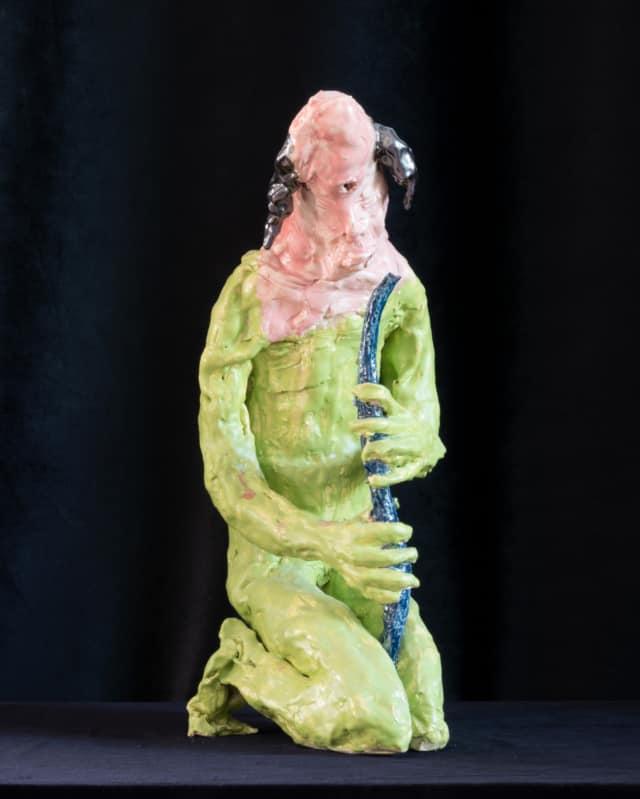 Cyclope à la flûte, 2021 Sculpture céramique H 52 x L 23 x P 27 cm BC-2101 ©Bachelot&Caron