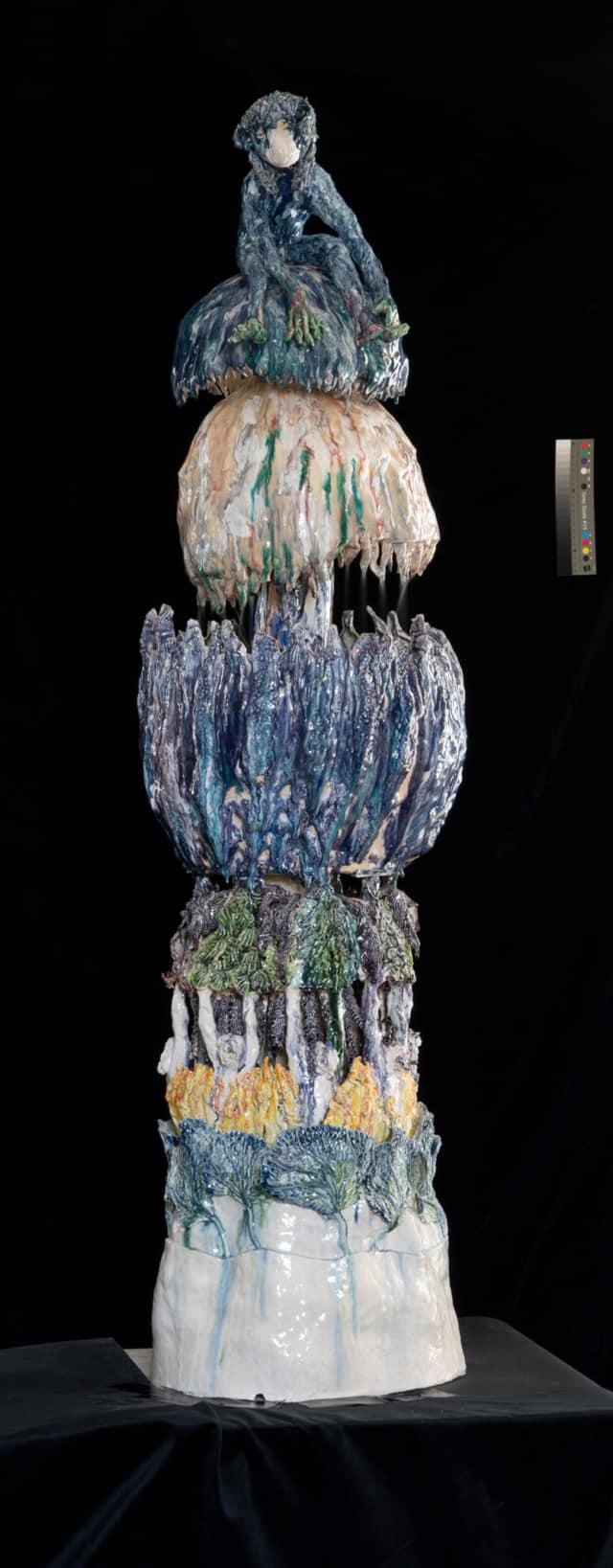 Fontaine Singe Bleu, 2021 Sculpture céramique H 160 x D 45 cm BC-2105 ©Bachelot&Caron