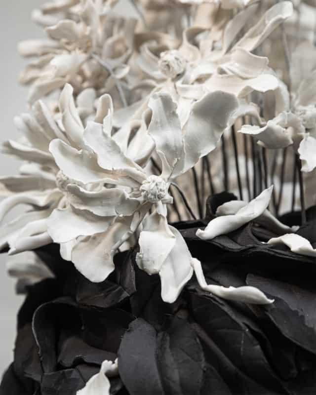 Stellatas, 2021 (détails) Porcelaine émaillée 42 x 42 x 70 cm, VB-2110 ©Virginie Boudsocq
