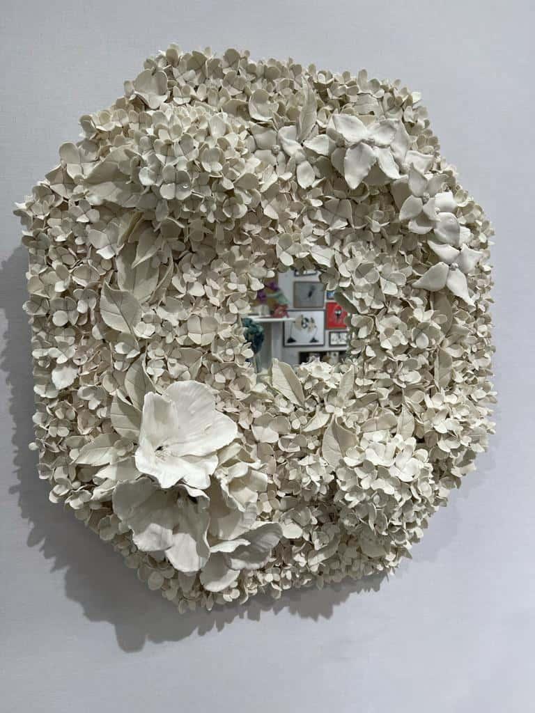 Hortensias d'été III, 2021 Porcelaine émaillée, 66 x 66 cm ©Virginie Boudsocq Art Paris Art Fair 2021, Grand Palais Éphémère, Paris 9 > 12 septembre 2021