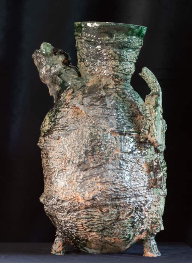 Vase étrusque Luther King, 2021 Sculpture céramique H 67 x D 47 cm BC-2109 ©Bachelot&Caron